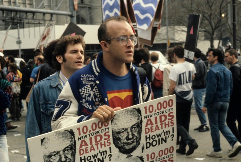 Keith Haring, AIDS hasta hakları protestosunda. Fotoğraf: John Penley